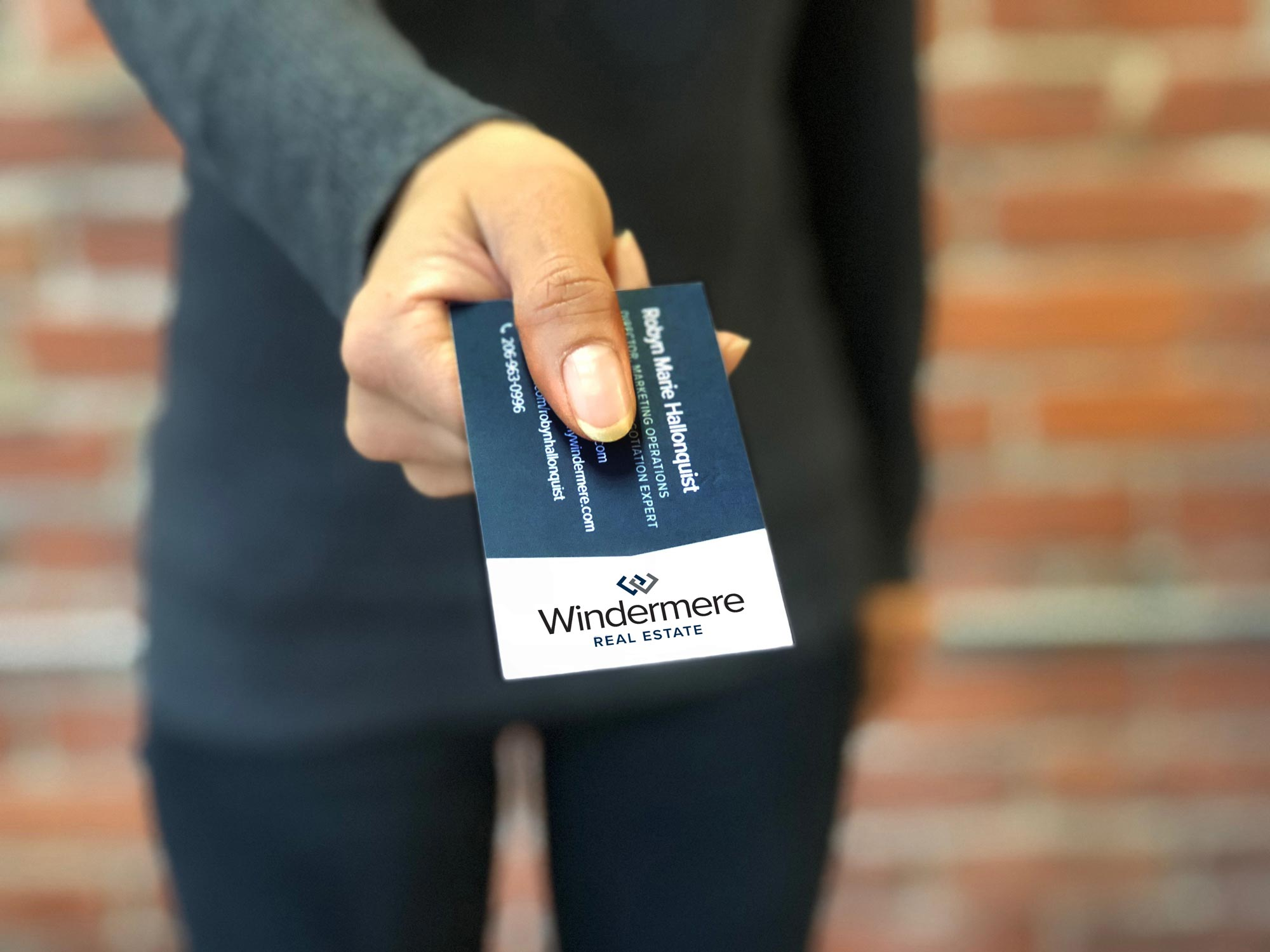 refresh-Windermere-business-card-handing
